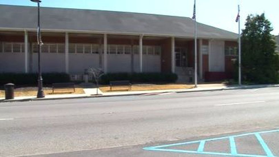 City leaders in Guntersville backed down Wednesday from a gun controversy.