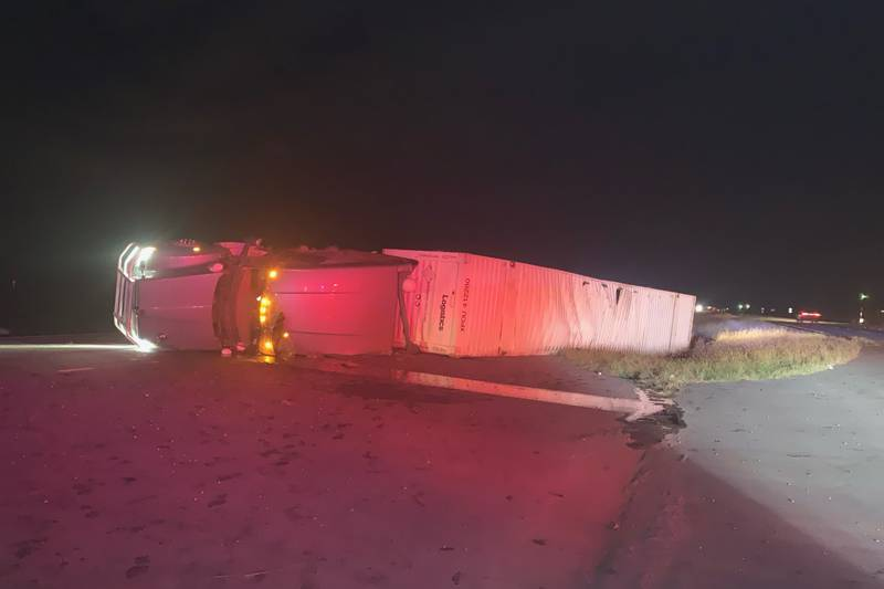 18-wheeler rollover crash closes eastbound, westbound lanes on I-20 in Lawrence County