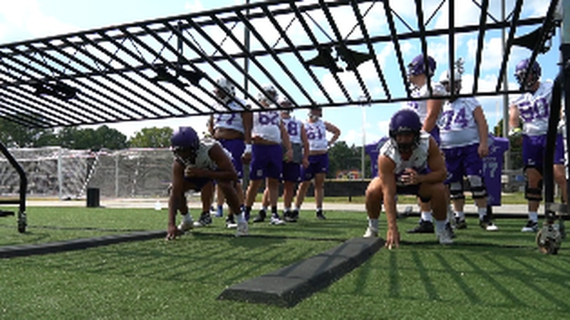 UNA Football players practice in Florence