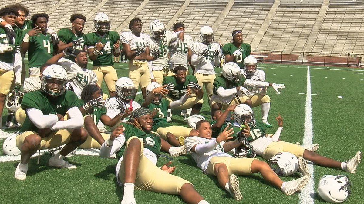 Defense was the storyline of Saturday's Pepsi Spring Game at Legion Field, as the White team...