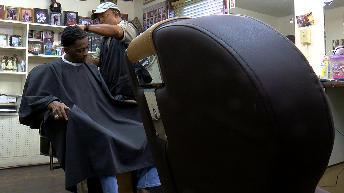'Shots at the shop:' Biden calls on Black-owned barbershops to increase vaccinations.
