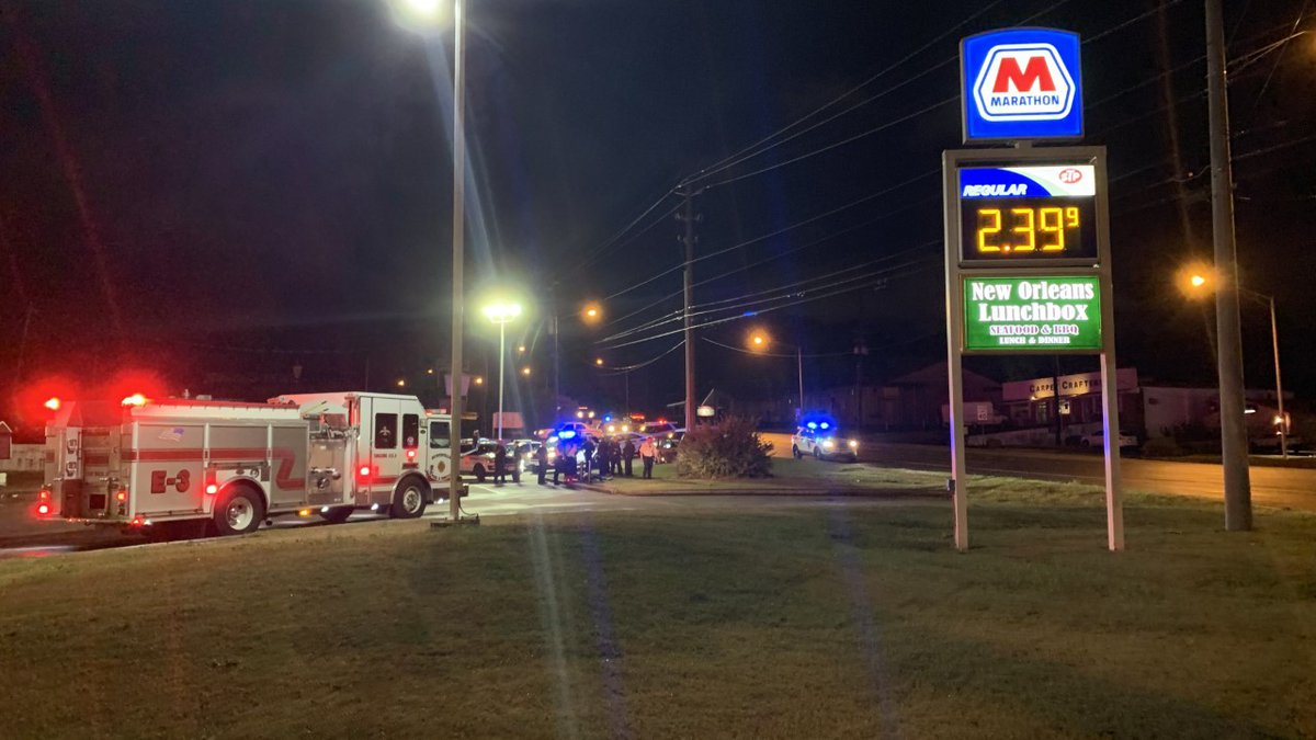 Teenager injured in chase with police; crashes vehicle into light pole