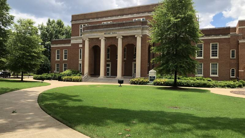Moore Hall on the University of Alabama campus