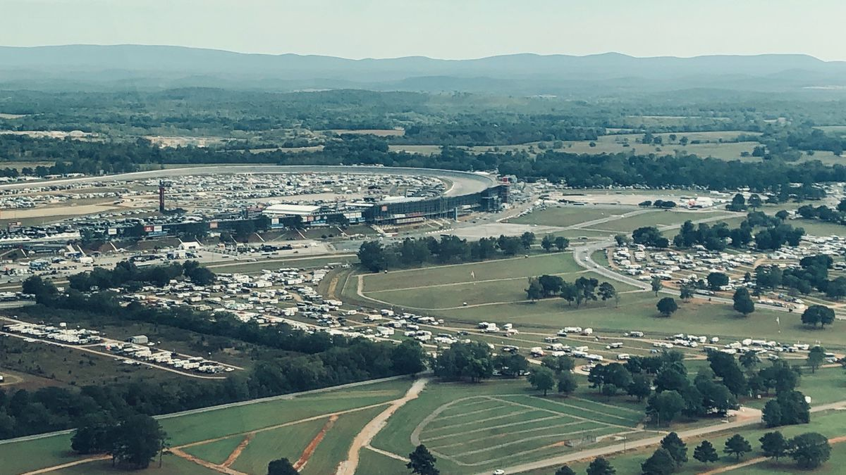 Fans don't give up after waiting an extra day for Talladega race