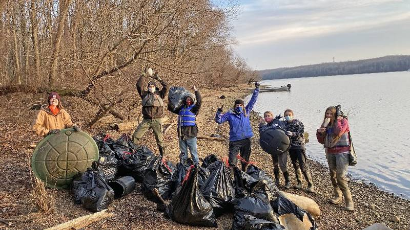 Keep the Tennessee River Beautiful volunteers work to keep trash picked up