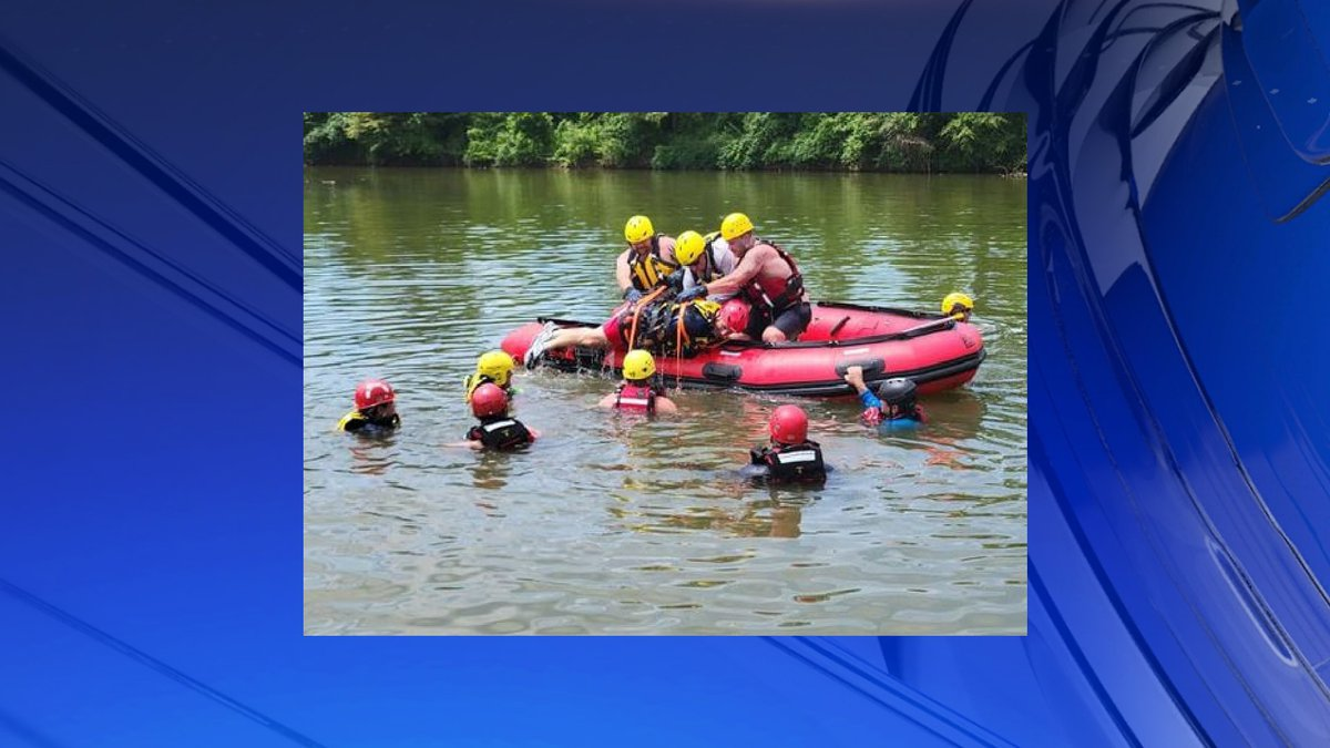 Huntsville Fire and Rescue hosts water rescue course