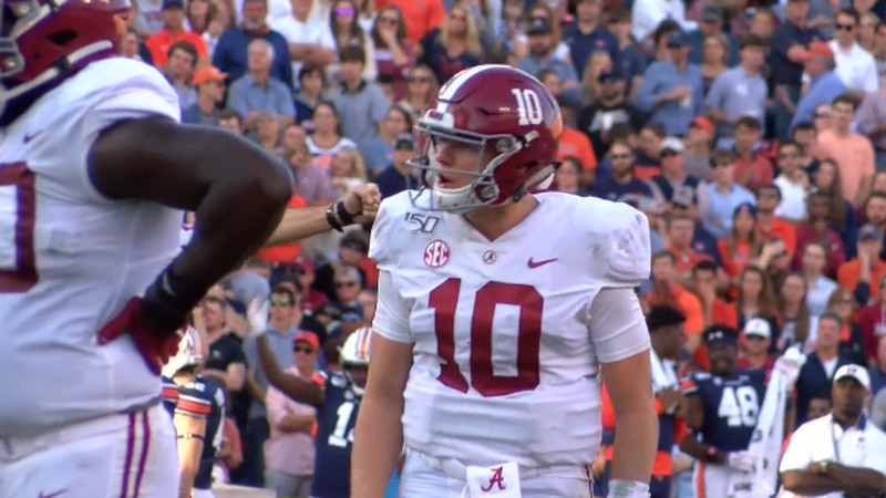 Alabama junior quarterback leads an Alabama offense that averages over 49 points per game.